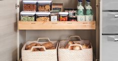 Your Grocery List for a Perfect Pantry Food Tips, Food Hacks, Homekeeping, Grocery Lists, Kitchen Organization, Zombies, Homesteading, Pantry, Organize