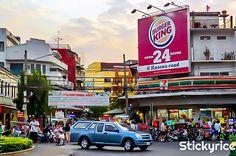 Khao san road, la calle más internacional de #Bangkok! http://bangkok.stickyrice.co/khao-san-road-la-calle-de-los-mochileros/ ถนนข้าวสาร (Khao San Road) en พระนคร, กรุงเทพมหานคร