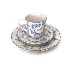 Barratts China taza y platillo, taza de té hecho en Inglaterra