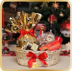 Cos cadou Special Christmas - KarinGifts.ro Christmas 2015, Wicker Baskets, Cos, Picnic, Table Decorations, Gifts, Home Decor, Presents, Decoration Home