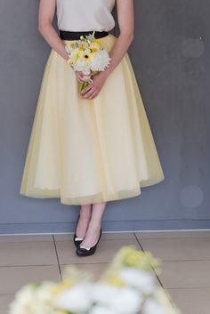 Heiraten in schwarz und gelb mit der Hochzeitsparade & 2 x 2 Karten für das Hochzeitsevent zu gewinnen! | Hochzeitsblog - The Little Wedding Corner yellow white black wedding ideas