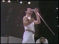 Bohemian Rhapsody Movie vs the True Story of Freddie Mercury & Queen John Deacon, Freddie Mercury, 80s Music, Music Songs, Music Videos, Phil Collins, Brian May, Bob Dylan, Hard Rock