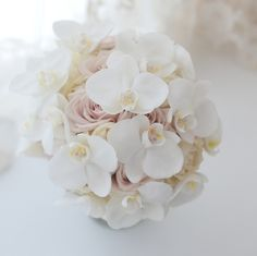 Soft pink roses with white orchids White Orchid Bouquet, Orchid Bouquet Wedding, Pastel Bouquet, Summer Wedding Bouquets, Bride Bouquets, Floral Wedding, White Orchids, Creative Flower Arrangements, Bride Flowers