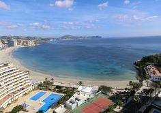 Apartment seaview from two out of the three balconies. The Levante beach and coastline up to Moraria. Just wonderful! www.wonderful-calpe.webs.com