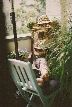 hellanne:  velvet swing (by MARGUERITE GISELE)