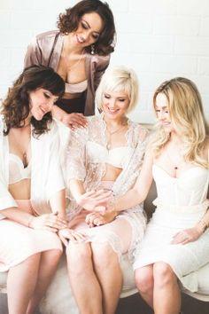 Sinnliche Einheit beim Boudoir-Shooting HANNAH L.   LEBENDIGE FOTOGRAFIE http://www.hochzeitswahn.de/inspirationsideen/sinnliche-einheit-beim-boudoir-shooting/ #boudoir #shooting #bride
