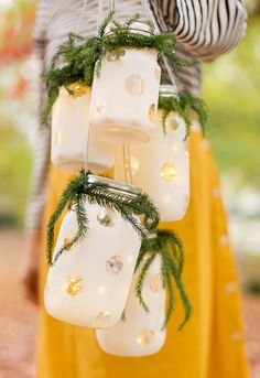 Make these DIY hanging lanterns with @ballcanning jars and a few other supplies. They're so easy and super festive for the holidays! #sponsored#ballmason #ballmasonjar #balljar #holiday #christmas #lantern #outdoorentertaining