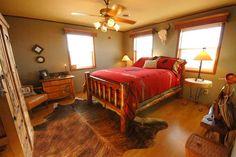 Bedroom or Guest bedroom. #skull #western #rustic #country