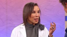 Learn How to Make Your Neck Look Younger: Dr. Jeanine Downie and Dr. Oz show how to apply a skin-tightening cream with peptides, plant extracts and antioxidants to help your neck look and feel younger. #Over30SkinCareRoutine #SkinTighteningWrap #NaturalSkinTightening Natural Skin Tightening, Skin Tightening Cream, Younger Skin, Look Younger, Dr Oz, Skin Care Regimen, Skin Care Tips, Dark Spots On Skin, Happy Skin