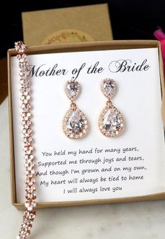 Wedding braceletMother of the Bride Gift by on.- Wedding braceletMother of the Bride Gift by on Etsy Wedding braceletMother of the Bride Gift by on Etsy - Cute Wedding Ideas, Wedding Goals, Gifts For Wedding Party, Wedding Tips, Party Gifts, Perfect Wedding, Diy Wedding, Wedding Planning, Dream Wedding