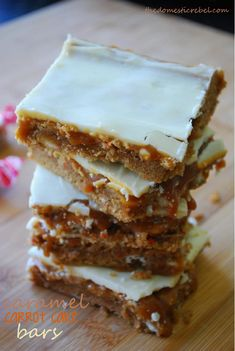Caramel Carrot Cake Bars are delightfully chewy and gooey bars bursting with rich caramel and spiced carrot cake flavor. Simply irresistible! #caramel #carrotcake #gooey