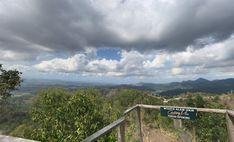 Sebuah wisata yang dilengkapi keindahan pegunungan adalah Canting Mas Puncak Dipowono. Siapapun yang melihatnya akan terhipnotis. Bahkan tak ingin sekali Mountains, Nature, Travel, Naturaleza, Viajes, Trips, Nature Illustration, Outdoors, Traveling