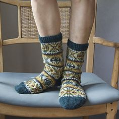 Ravelry: Boyfriend Socks pattern by Mary Jane Mucklestone Knitting Charts, Knitting Socks, Hand Knitting, Lots Of Socks, Gorgeous Feet, Wool Socks, Boot Cuffs, Cute Shoes, Mary Janes