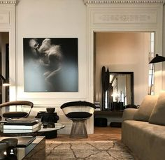 30 Parisian Chic Decor Ideas For Your Apartment - The Mood Palette Interior Design Inspiration, Home Interior Design, Interior Architecture, French Architecture, Luxury Interior, Parisian Chic Decor, Elegant Homes, Style At Home, Cheap Home Decor