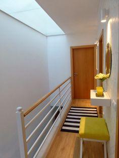 Corredor Stairs, Decor, Floor Chair, Chair, Flooring, Furniture, Home Decor