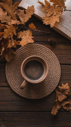 Cozy Aesthetic, Aesthetic Coffee, Autumn Aesthetic, Brown Aesthetic, Coffee And Books, Coffee Love, Coffee Art, Autumn Coffee, Autumn Cozy