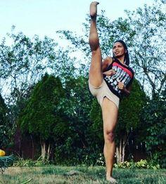 Her Calves Muscle Legs: Elastic Aesthetic Legs Female Martial Artists, Martial Arts Women, Mixed Martial Arts, Female Art, Taekwondo, Karate Girl, Warrior Girl, Military Women, Action Poses