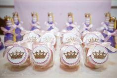 Buffet Villa Party Fotografia Fernanda Lenzi Cupcakes e bolo Sucré et Salé     A Rapunzel mais linda do mundo!