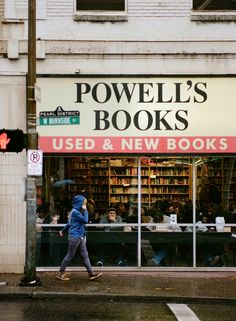 Powell's Bookstore, Portland, Oregon - my fave bookshop on earth! Nevada, Utah, Washington, Portland Oregon, Oregon Usa, Downtown Portland, Seattle, Portland Food, Livros