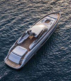 the corsair 36 yacht is the new stylish super boat by chris-craft, Innenarchitektur ideen
