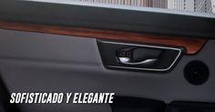 #IncomparableCRV 2017  Le dimos lujo a cada detalle, la nueva CR-V cuenta con acabados en madera* en las puertas.