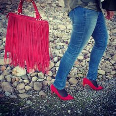 In red @suiteblanco @zaraofficial #zaralovers #moda #mode #fashion #fashionista #fashionblogger #look #lookbook #lookidea #lookdeldia #lookoftheday #style #stylebook #stylelook #styleoftheday#streetstyle #outfitboard #ootd #outfit #outfitoftheday #outinspo #outfitidea #blogger #zaradayli