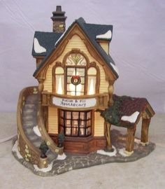 Santas Workbench - porcelain lighted house - Potion & Pill Apothecary - used vtg