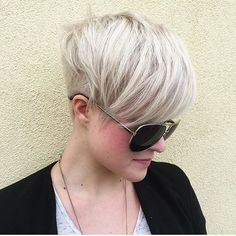 Everything about this platinum, undercut pixie is fetch (don't worry Gretchen, fetch IS going to happen) @mammamac4 (aka Bev) is amazing. #pixie #undercut #nothingbutpixies #meangirlsquote #btcpics