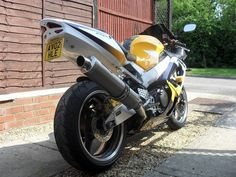My own 929 RR Fireblade