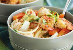 Cajun Garlic Shrimp Noodle Bowl #paleo #lunch #recipes http://greatist.com/eat/paleo-lunch-recipes