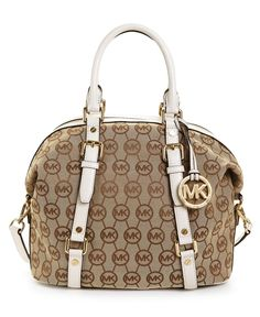 Just bought this today (& the matching wallet) & I'm in love!! <3 My first designer handbag!!