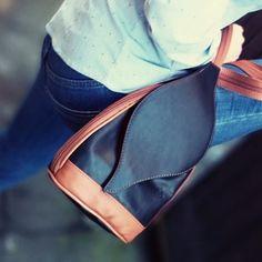 Black with tan. Versatility -you can use it as a shoulder bag👜 or as a backpack. Black Leather Backpack, Leather Bag, Leaf Shapes, My Bags, Handbag Accessories, Backpacks, Shoulder Bag, Instagram, Fashion