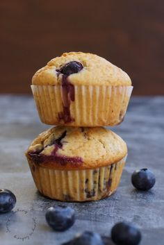 Blueberry muffins, juicy, simple and delicious. # blueberries # blueberry muffins # breakfast Blueberry muffins, juicy, simple and delicious. Trifle Desserts, Pudding Desserts, Strawberry Desserts, Easy Desserts, Delicious Desserts, Dessert Recipes, Cupcakes, Cupcake Cakes, Clean Eating Oatmeal