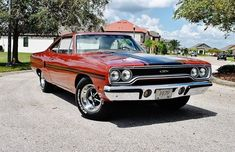 alias l & the biggest powerplant, which concern Chrysler offered in and years. This heart is equipped with the Plymouth GTX from the year 70s Cars, Retro Cars, Pontiac Gto, Chevrolet Camaro, My Dream Car, Dream Cars, 1970 Plymouth Gtx, Plymouth Muscle Cars, Muscle Cars For Sale