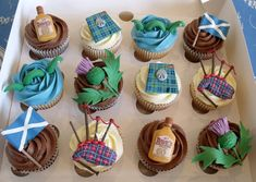 Scotland themed cupcakes with tartan, thistle, bagpipes and more | Nibble & Scoff