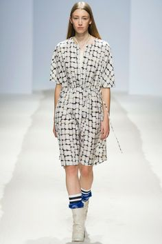 Christian Wijnants Spring 2014 Ready-to-Wear