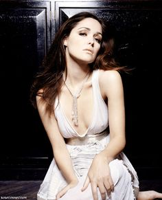 Rose Byrne Listening To You Tr. is listed (or ranked) 2 on the list The 36 Hottest Rose Byrne Photos Mary Rose Byrne, Victoria Principal, Actrices Sexy, Rashida Jones, Elle Fanning, Bikini Photos, Celebs, Celebrities, Actress Photos