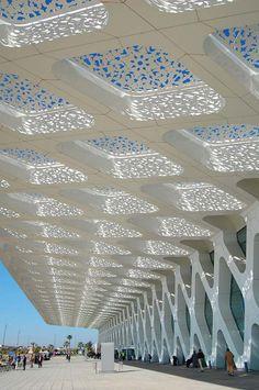 L'aéroport de Marrakech-Menara                                                                                                                                                                                 Plus