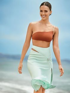 4d37e956bed6 Jessica Alba lands the October 2015 cover story from Self Magazine