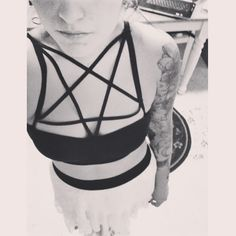 DIY caged pentagram bra. Came out so well! Thanks @Andrea / FICTILIS / FICTILIS / FICTILIS Garcia for your tutorial!