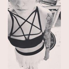 DIY caged pentagram bra. Came out so well! Thanks @Andrea / FICTILIS / FICTILIS / FICTILIS Garcia for your tutorial!