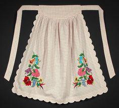 VINTAGE Hungarian Embroidered Apron Matyo folk costume cute ethnic pattern pink