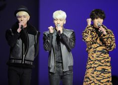 SHINee performing during the MCM Spring 2014 Collection in Seoul, November 2013