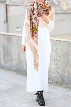 White pencil dress, warm scarf and casual boots - perfect fall hijabi look www.annahariri.com
