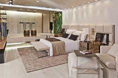 Quarto de casal luxuoso!  #decoração #decorando #design #designdeinteriores #decorar #decore #decorei #interiores #luxo #luxuoso #sofisticado #sofisticação #estilo #estiloso #estilosa #arquitetos #designers #casa #ambientes #projeto #ideias #casanova #nossacasa #dicas #inspiração #home #casa #boanoite #quarto #luxo