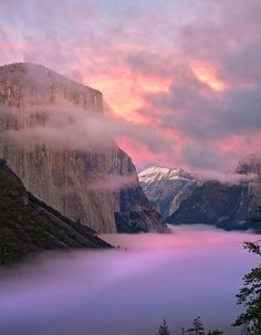 El Capitan Sunset by Zack Mensinger on Flickr.