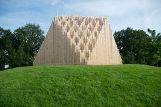 // KHOR    / Concept: Gert-Jan Stam + Benoit Vanraes    / Text: Gert-Jan Stam    / Design: Breg Horemans