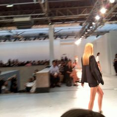 Le brushing droit #AnthonyVaccarello #pfw