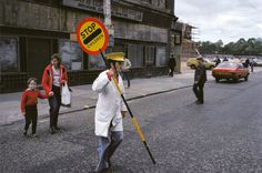 Raymond Depardon/Magnum Photos In French photojournalist Raymond Depardon was commissioned by the Sunday Times to travel to Glasgow for a feature on… Urban Photography, Street Photography, Minimalist Photography, Color Photography, Life Photography, The Gorbals, Japanese Streets, French Photographers, Magnum Photos