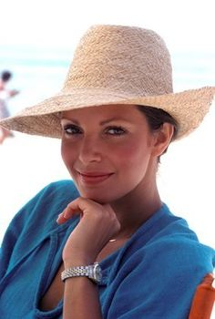 Jaclyn Smith  1977